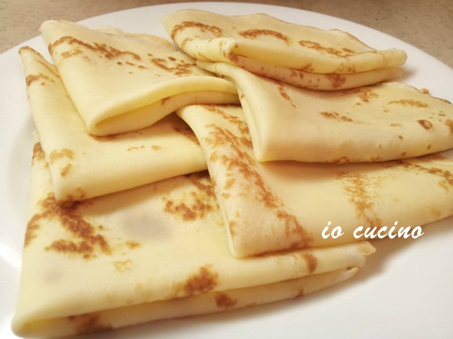Crespelle o crepes : impasto base sia per salate che dolci