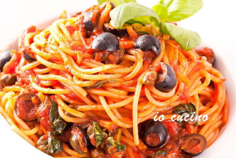 Spaghetti alla puttanesca : la ricetta originale napoletana