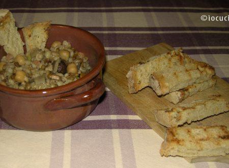 Zuppa di legumi e cereali con funghi | Ricetta zuppe e minestre