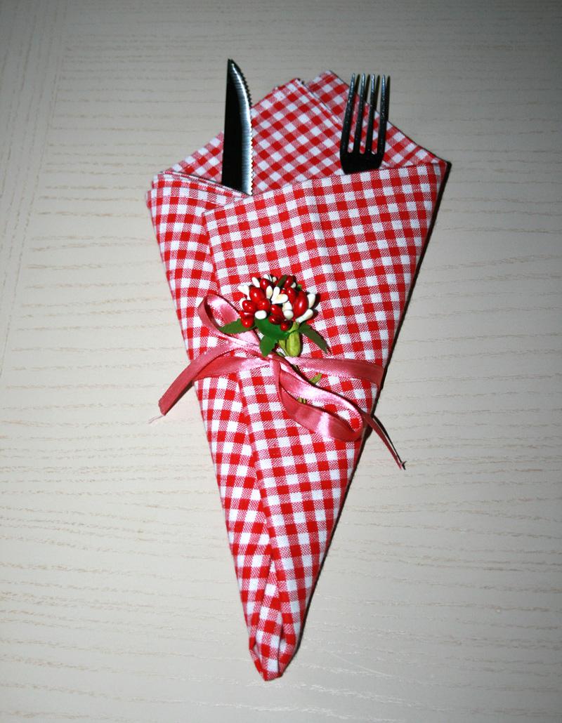 Piegare Tovaglioli Di Carta come piegare i tovaglioli – piega a cono | decorare la tavola