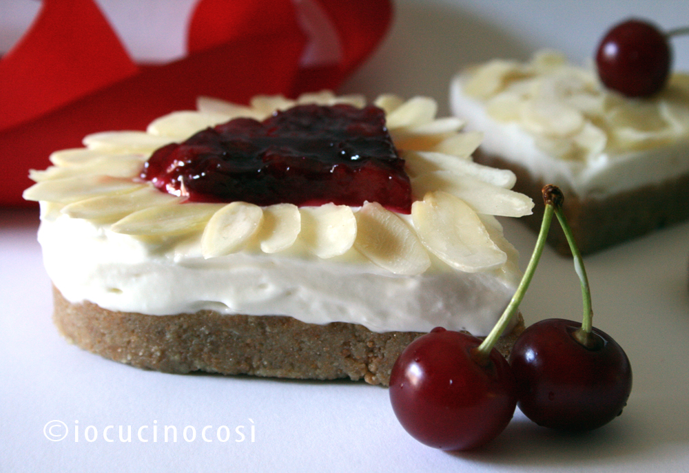 Cuori di cheesecake alla mandorla -  Heart Almond Cheesecake