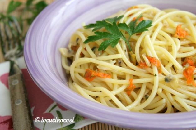 Spaghetti alle vongole e fiori di zucca