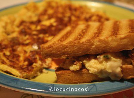 Omelette ai 4 formaggi in toast | Ricetta secondo