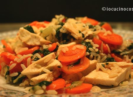 Riso pollo e verdure saltati | Ricetta piatto unico