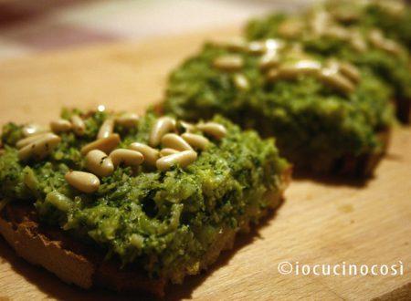 Bruschetta con crema di broccoli e acciughe