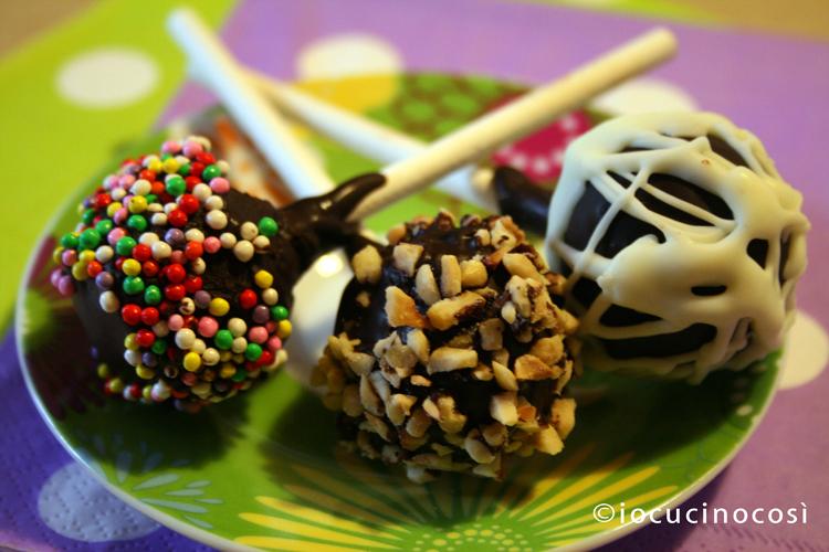 Cake pops nutella e pandoro | Ricetta riciclo pandoro