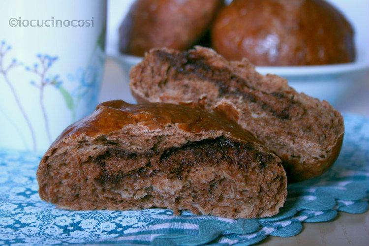 Pan brioche al cacao | Brioche farcite con nutella