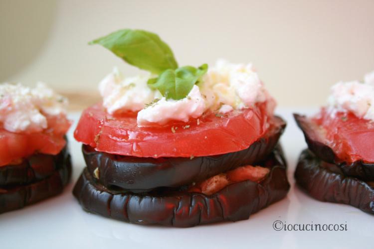 Torri di melanzane con tonno e ricotta - Ricetta antipasto