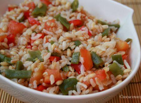 Insalata di cereali, fagiolini e peperoni, ricetta vegana