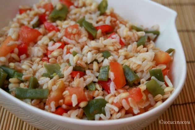 Insalata di cereali, fagiolini e peperoni - Ricetta estiva