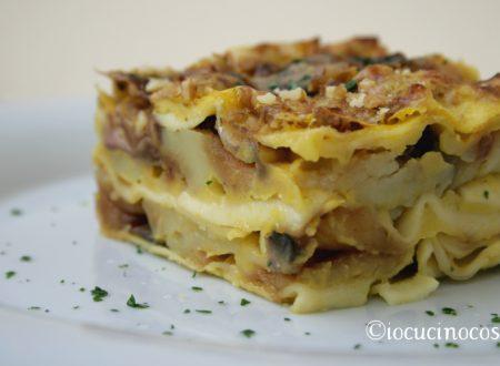 Lasagna con funghi, patate, noci e crema di zucca – Ricetta vegan