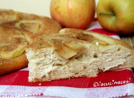 Focaccia dolce alle mele con zenzero e cannella – Ricetta con pasta madre a lunga lievitazione