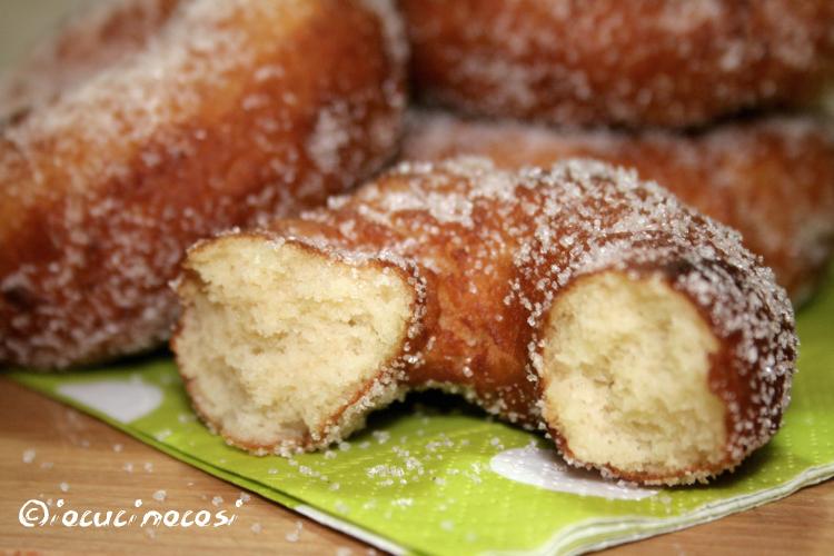 Ricetta ciambelle zuccherate con patate dolci e cannella for Patate dolci americane