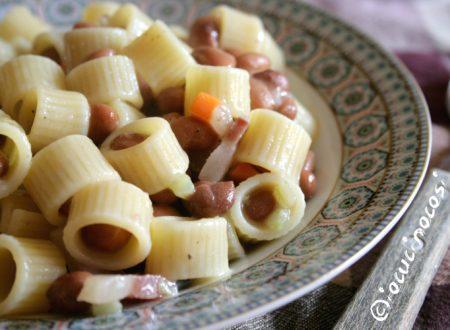 Pasta e fagioli con pancetta