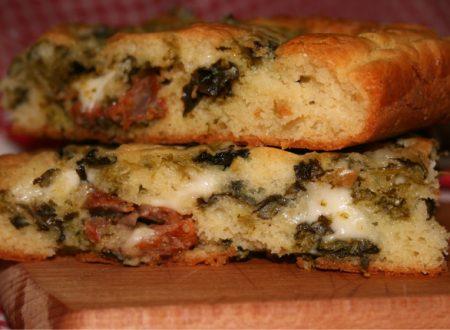 Torta rustica con cime di rapa e salsiccia