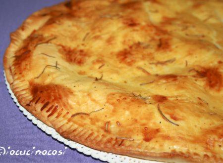 Torta salata ai formaggi e rosmarino