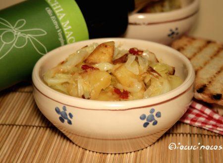 Minestra verza e patate con lardo e cipolla