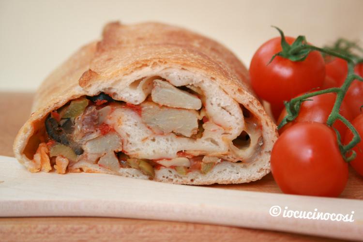 Pizza arrotolata con verdure