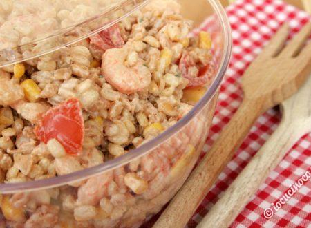 Insalata di cereali con gamberetti patate e pomodorini