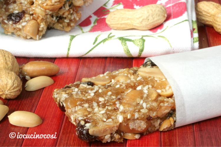 Super Ricetta Barrette croccanti arachidi e cereali al cocco TV77