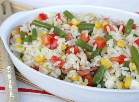 Insalata di riso con peperoni e fagiolini