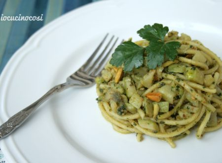 Spaghetti con zucchine e provolone