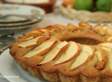 Ciambella leggera con mele e noci al bergamotto