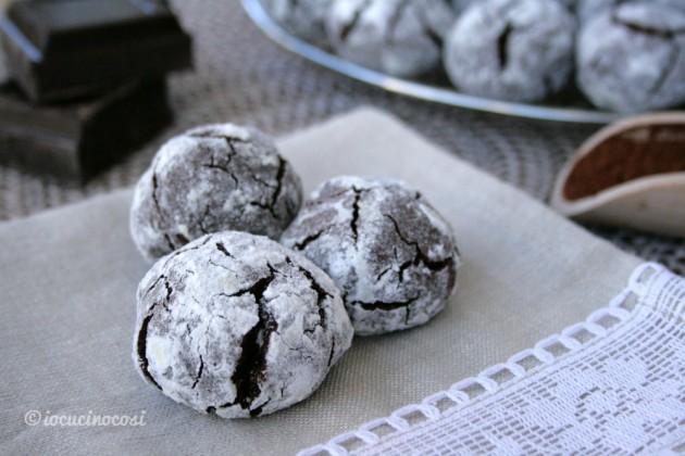 Biscotti al cioccolato e arancia - Chocolate Crinkle Cookies
