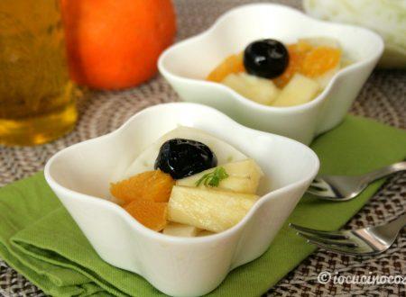 Insalata di finocchi e arance con olive e ananas