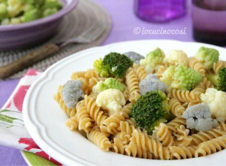 Pasta e broccoli fantasia di colori