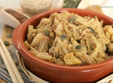 Verza stufata con curry e semi, ricetta vegana