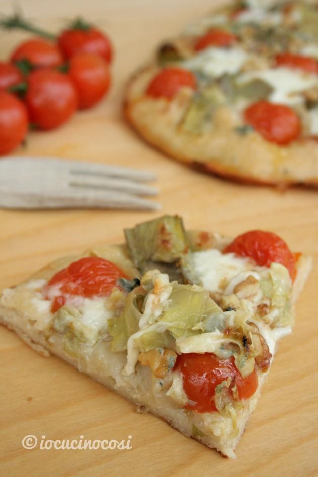 Pizza ai carciofi, gorgonzola e noci