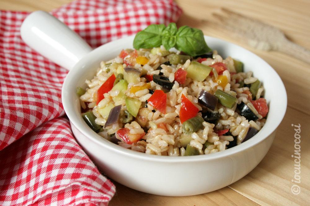 Popolare Insalata di riso integrale con verdure | io cucino così VP29