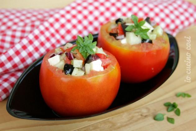 Pomodori ripieni freddi alla greca