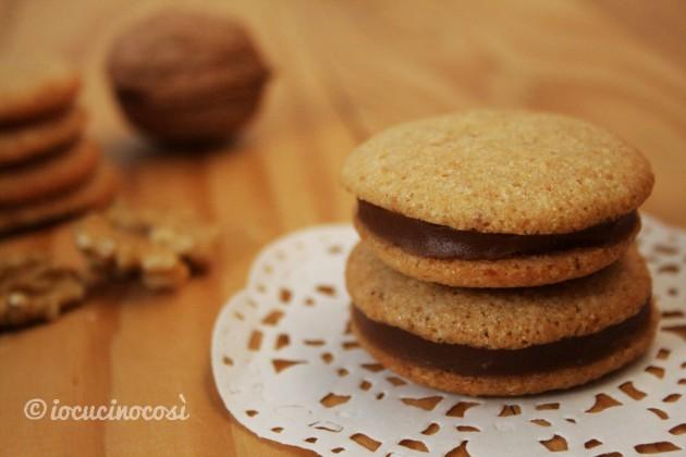 Baci d'autunno, biscotti alle noci farciti