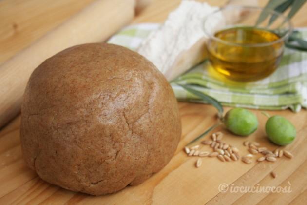 Pasta frolla al farro con olio extravergine di oliva, senza uova e latticini