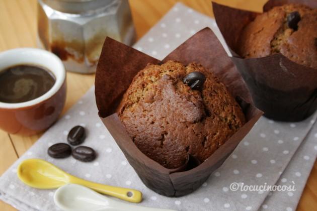 Muffin al caffè e cioccolato bianco