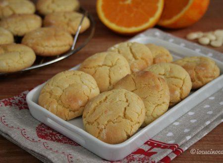 Crinkle cookies al cioccolato bianco e arancia