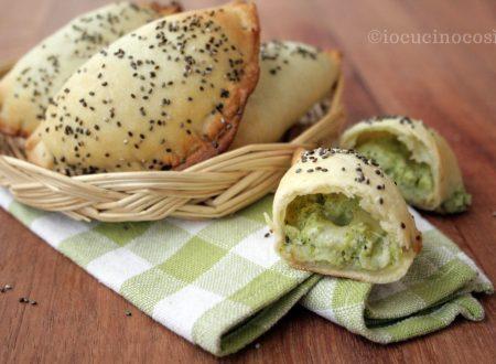 Panzerotti con ricotta e broccoli