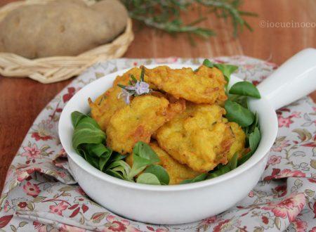 Frittelle di patate al rosmarino e curcuma