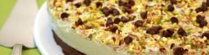 Torta allo yogurt pistacchio e cioccolato – Ricetta dolce senza cottura