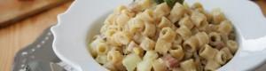 Pasta e patate con pancetta e pecorino