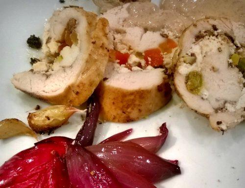 petto di pollo con mosaico di papaya confit, uvetta e pistacchi