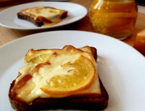 toast con provola affumicata e limone