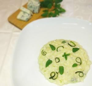 risotto con crema di zucchini mantecato al gorgonzola