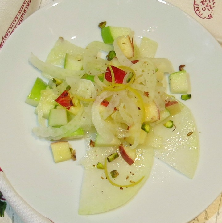 insalata di finocchi con cavolo rapa mela verde e mela rossa