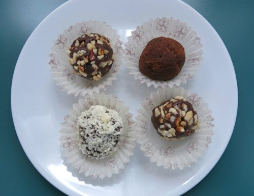 truffles di panettone con cioccolato al rum e frutta secca