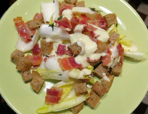 Indivia belga con bacon e salsa soubise
