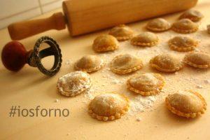 Ravioli di zucca e castagne fatti in casa