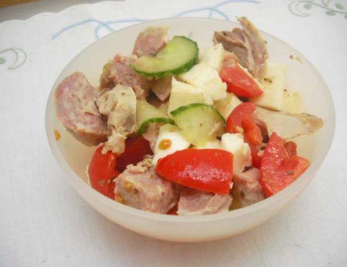 Insalata salsiccia e pollo